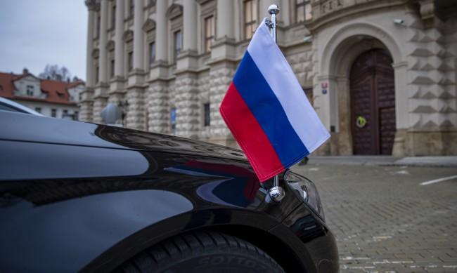Чехия експулсира 18 служители в посолството на Русия