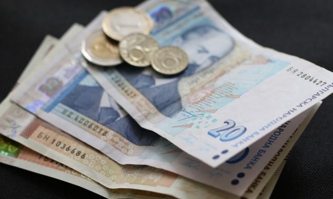 Покрай коронакризата, с колко ще се увеличи заплатата догодина?