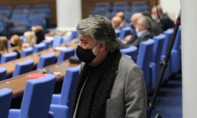 Вежди Рашидов: Улицата влезе в парламента