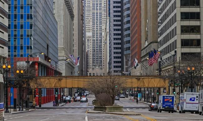 Гимназиите в Чикаго затворени от година, отварят днес