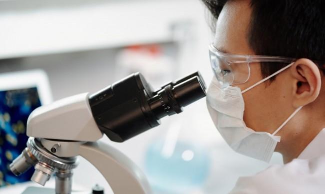 Микробите - скритите причинители на опасни вируси