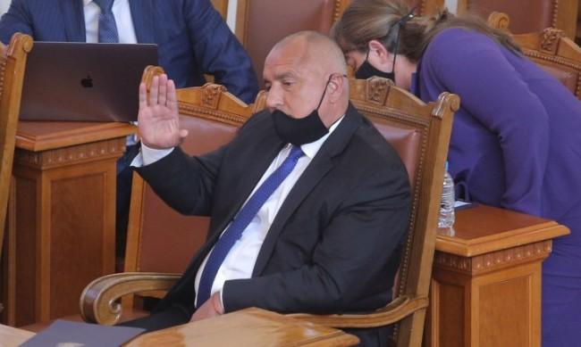 Росен Желязков: Викат Борисов в НС, за да го унизят