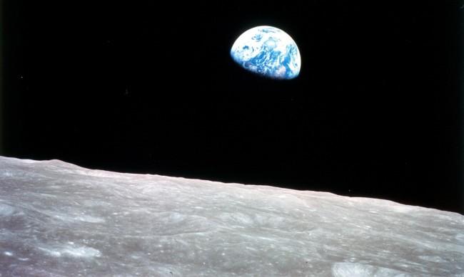 Културното ни наследство на Луната: Археолози настояват да го запазим