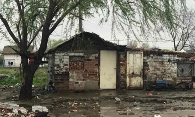 Стамболийски пропищя от ромски набези, бутат незаконни къщи