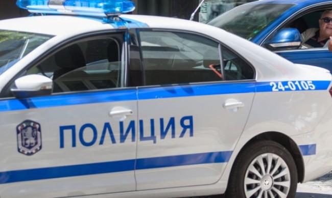 Пиян шофьор помете пешеходец, опита да избяга