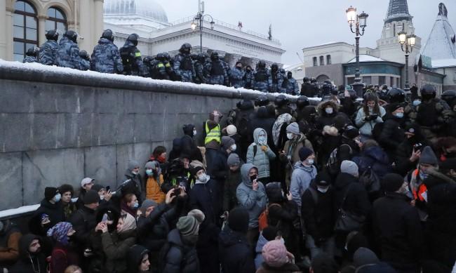 Руското МВР призова за неучастие в протести в подкрепа на Навални