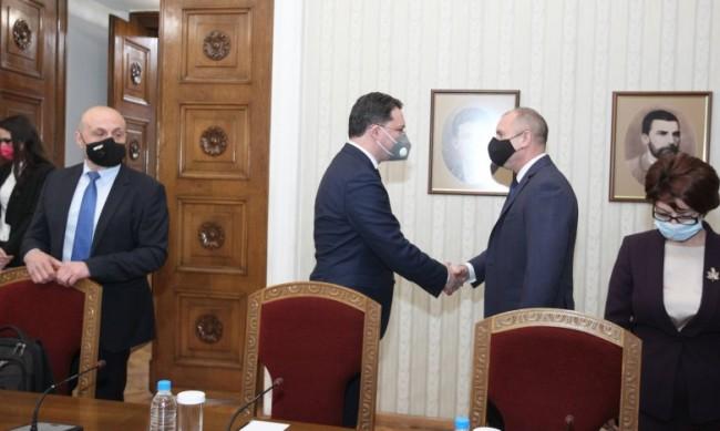 Радев връчва първия мандат на ГЕРБ утре