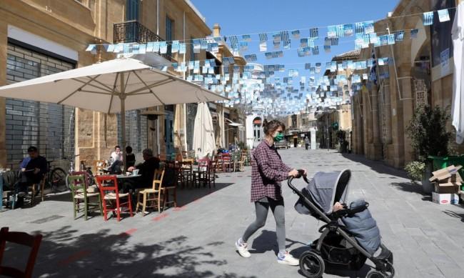 Кипър удължава ограниченията, ще ги има и по Великден