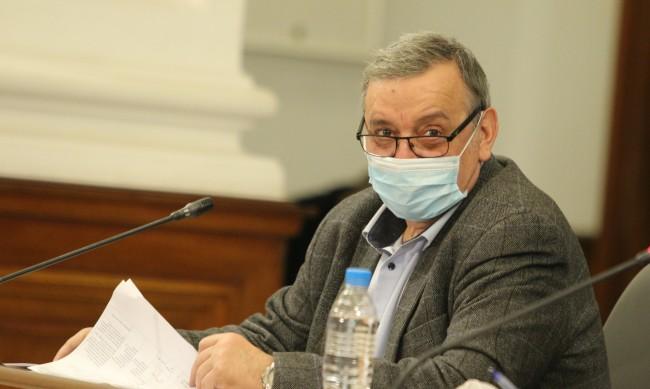 Проф. Кантарджиев: До есента можем да поставим вируса под контрол