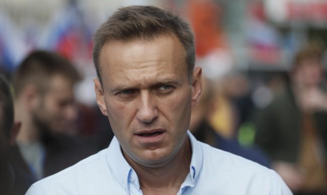 """Навални бил прехвърлен """"в концлагер, място за изтезания, а не в болница"""""""