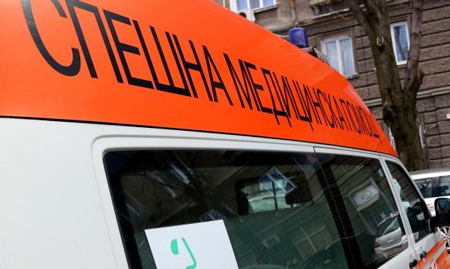 Откриха жена и дете, потънали в кръв в жилище във Враца