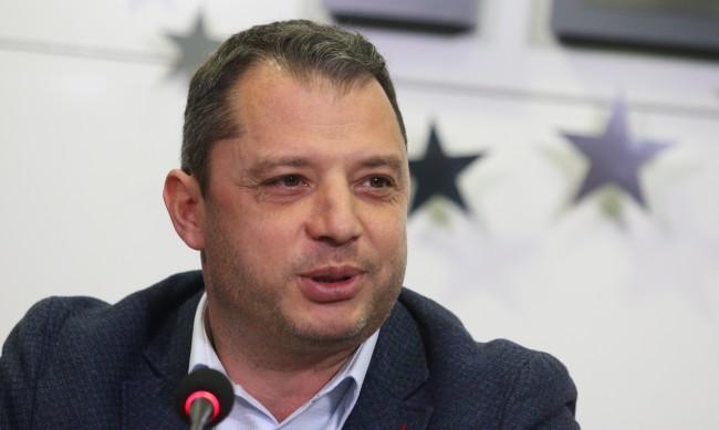 Делян Добрев: Под 1% е шансът на предложения кабинет