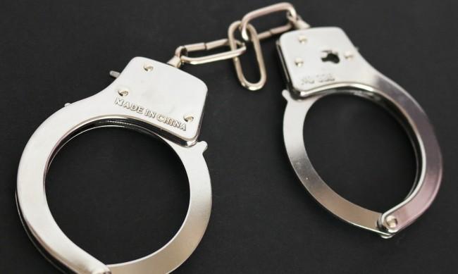 Мъж, ограбил пенсионер на улица в Девня, остава в ареста