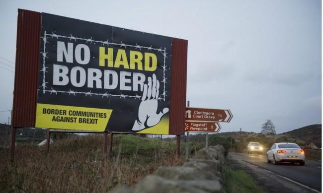 Анкета: До 25 г. Северна Ирландия ще напусне Обединеното кралство