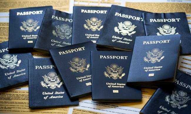 Обвиниха трима българи, мамели с фалшиви документи във Флорида