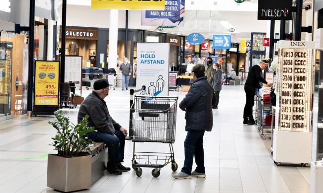 """""""Коронапас"""": Как Дания започна да отваря своите бизнеси"""