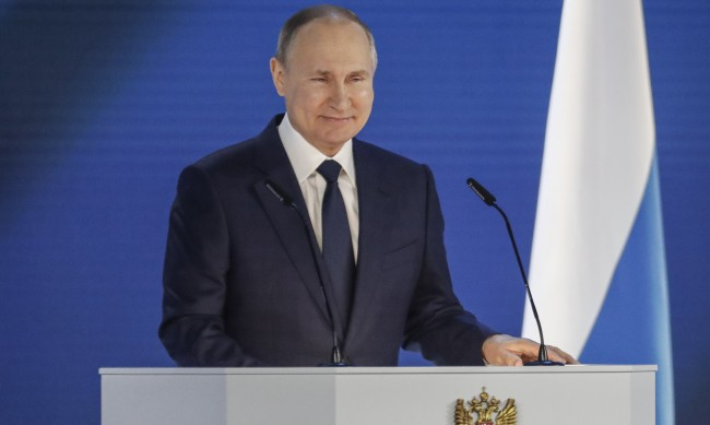 Речта на Путин: За пандемията и нападките към Русия, но нито дума за Навални и Украйна