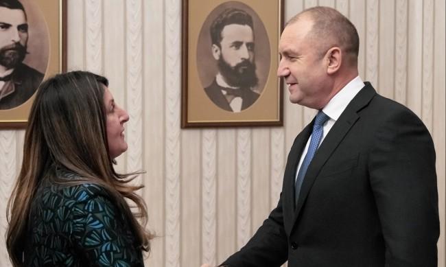 Радев проведе работна среща с посланик Херо Мустафа