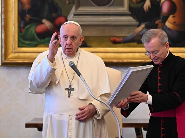 Папа Франциск поиска от лидерите на Латинска Америка и Иберийския