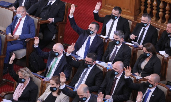 Мораториум върху решенията на МС в оставка до избор на нов кабинет