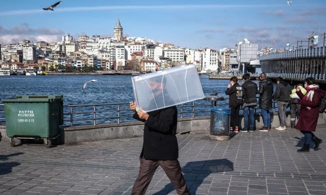 Турция обяви 82-часов национален локдаун