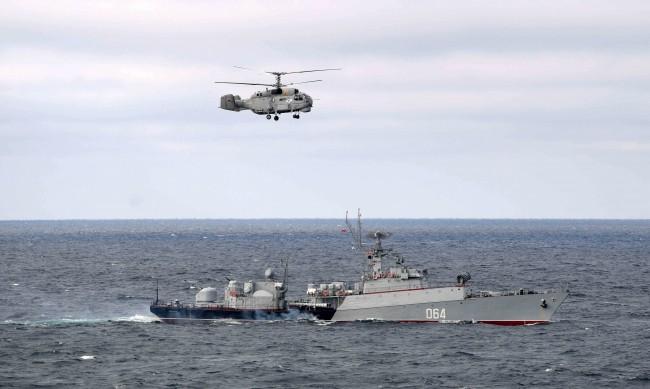 Над 10 000 войници и 40 бойни кораба в учения на Русия в Крим