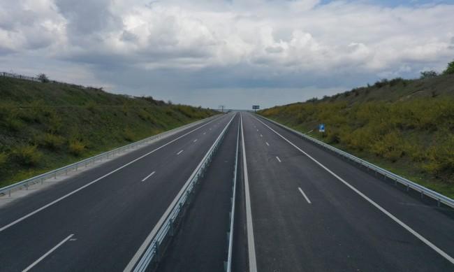 "Пускат движението в ремонтирания 10 км участък от ""Тракия"""