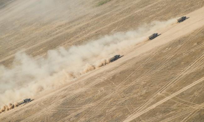 Русия прибира войските си от украинската граница в базите