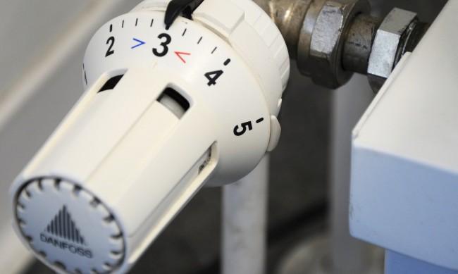 ТЕЦ-София иска скок на парното и топлата вода с 15% от юли