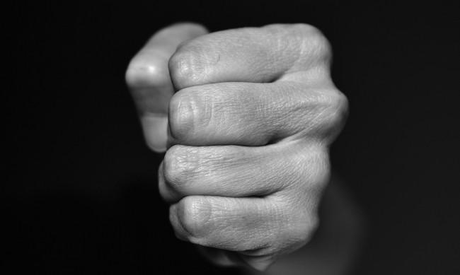 Криминално проявен нападна възрастна жена в Казанлък