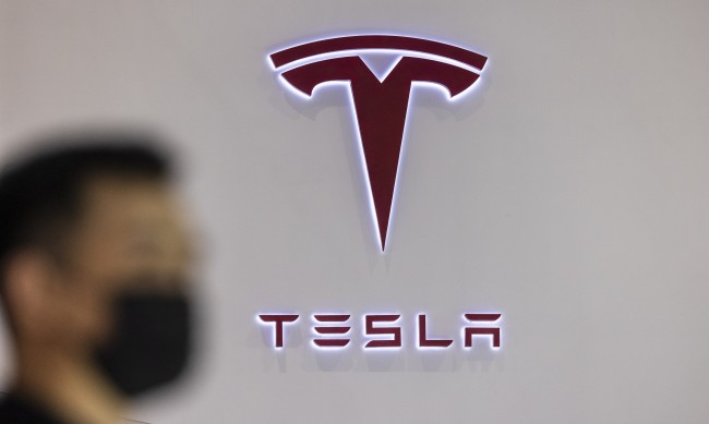 Изследване: Системите за сигурност в Tesla са абсолютно недостатъчни