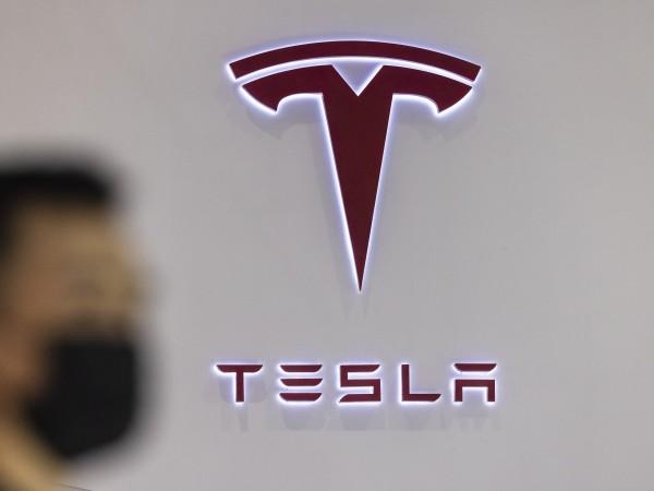 Функцията за автопилот в автомобилите на Tesla може да бъде