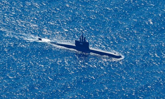 21 кораба в търсене на изчезналата индонезийска подводница