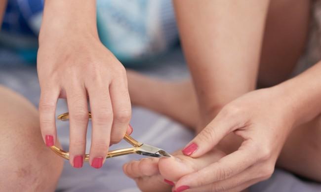Как правилно да режете ноктите на краката