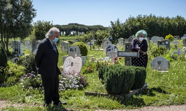Депутат към кмета на Рим: От 2 месеца не мога да погреба сина си!