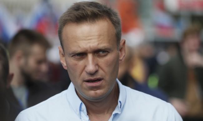Навални обяви, че прекратява гладната си стачка