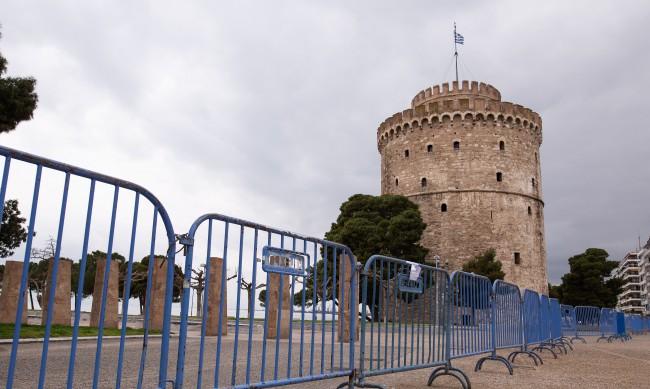 Гърция със спешни мерки от днес, глобата е 300 евро