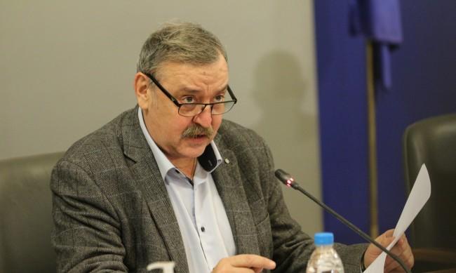 Проф. Кантарджиев: През есента случаи на коронавирус само в отделни места или семейства