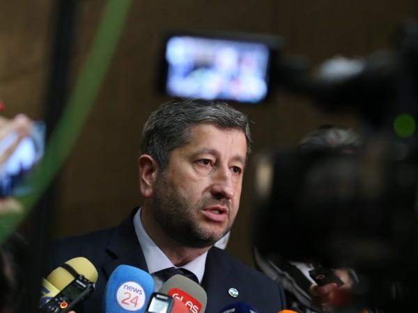 """""""Демократична България"""" има много силен потенциал да подкрепи едно управление"""