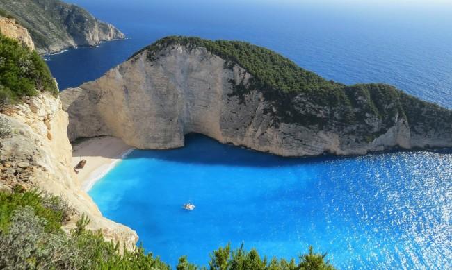 Къде ще почиват българите това лято - у нас или в Гърция?