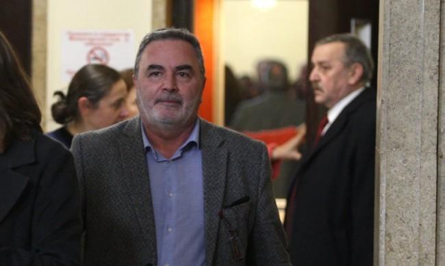 """Ваксинират роми и заетите в туризма с """"Янсен"""", защото е еднодозова"""