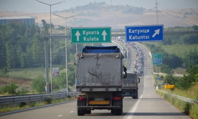 Гърция проверява всички храни от внос, включително от България