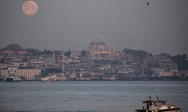 МВнР предупреждава: Три седмици пълен локдаун в Турция