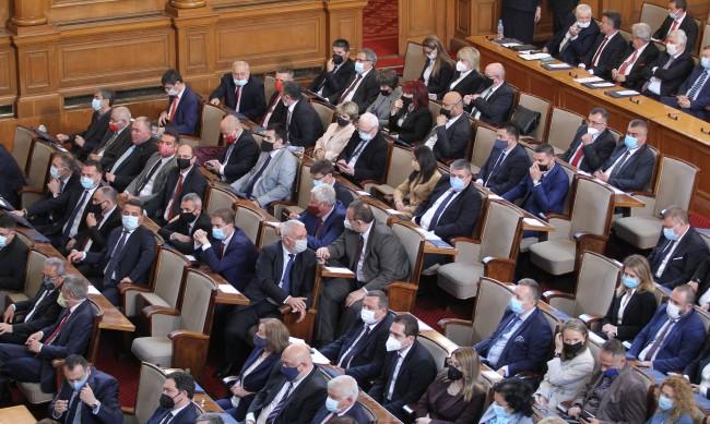 Поправките в Изборния кодекс обсъждат депутатите