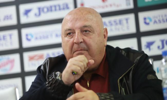 Венцеслав Стефанов по спешност е приет в болница