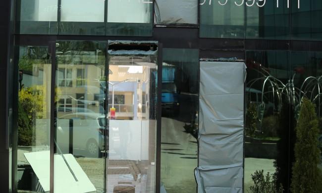 Няколко души са пострадали при пожара в хотела в София
