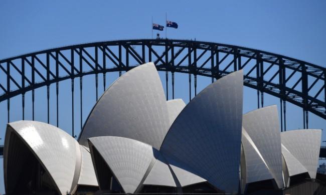 """Хора от схемата на """"Откраднатите поколения"""" съдят Австралия"""