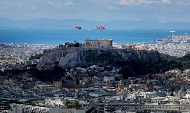 Гръцките власти премахват контрола върху движението с SMS
