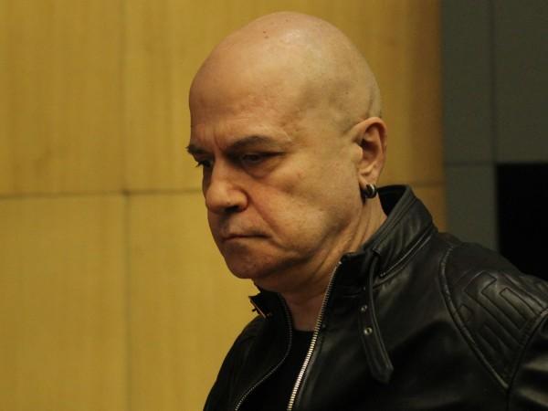 Слави Трифонов направи коментар на днешните събития. По думите му,