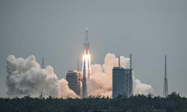 Китай изстреля основния модул от космическата си станция
